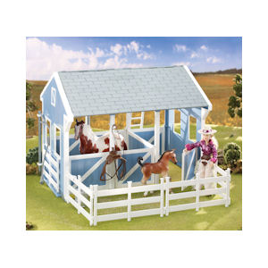 Breyer Classics Country Stable #699