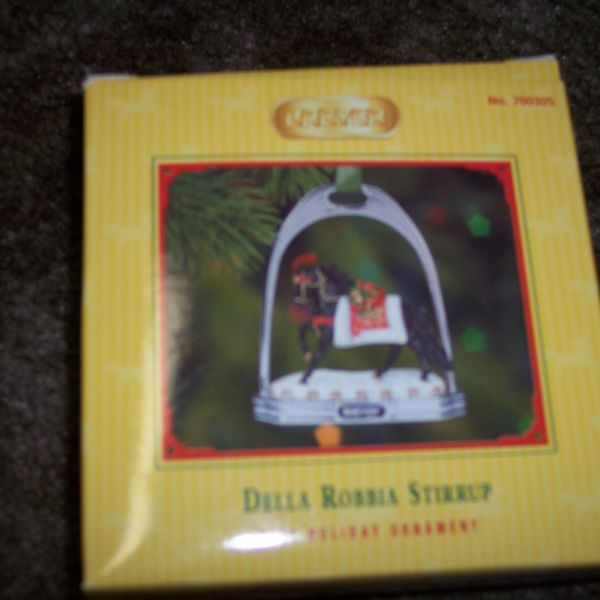 Breyer 2005 Christmas Della Robbia Stirrup Ornament #700305-KS